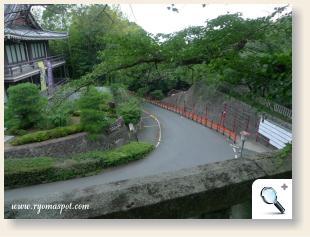 京都霊山護国神社までの坂
