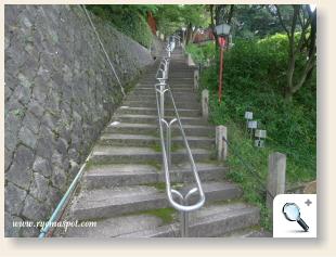 京都霊山護国神社階段